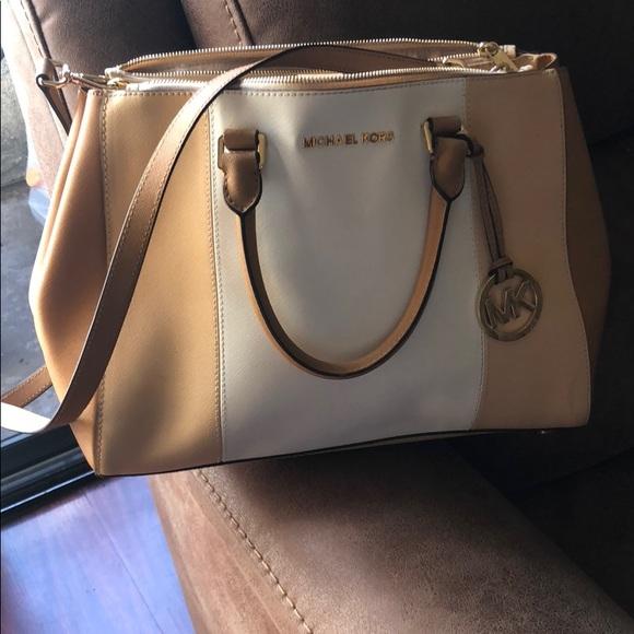 Michael Kors Handbags - Michael Kors large purse